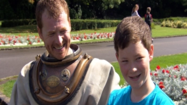 Dads world record bid to help son  Granada  ITV News