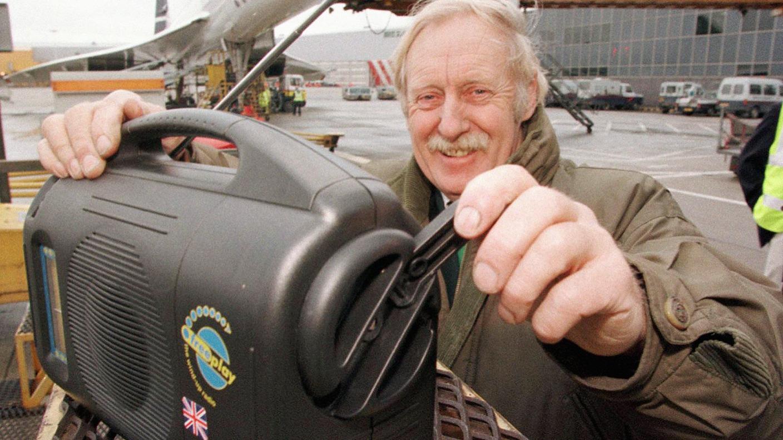 Inventor Of Wind Up Radio Trevor Bayliss Aged 80