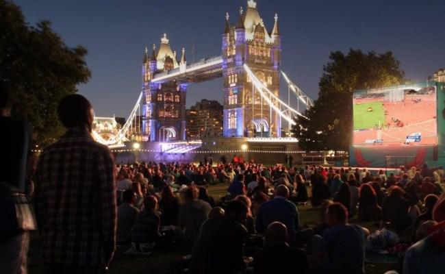 Big Screens In London Showing Andy Murray S Wimbledon