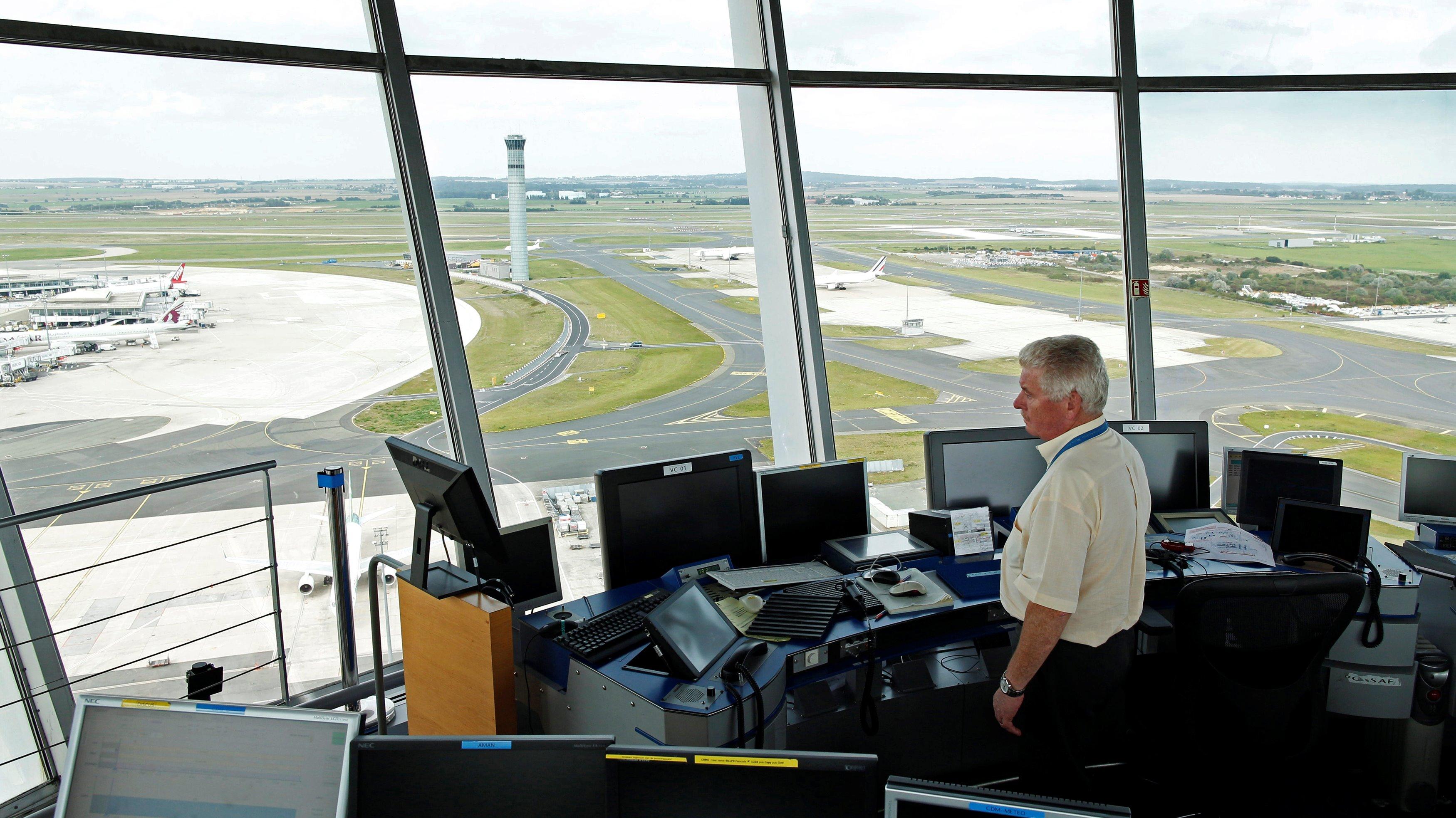 Resultado de imagen para air traffic control french