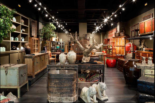 First Becara antique shop in CC Zielo Pozuelo Madrid