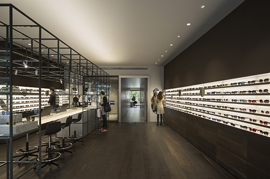 Isabel Lpez Vilalta Designs The Optical Store Of Ulloa In Madrid An Innovative And Elegant