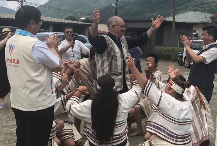 Лишь престарелые миссионеры получают тайваньское гражданство