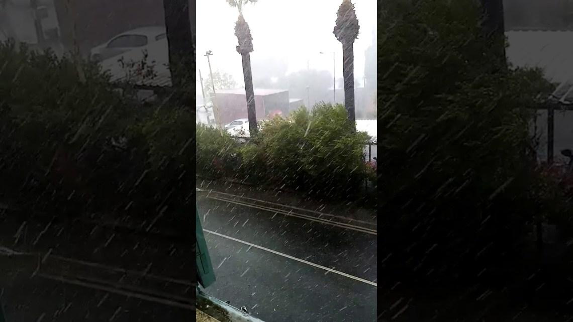 Έντονη κακοκαιρία σε πολλές περιοχές – Βροχές, χαλάζι και πλημμυρισμένοι δρόμοι 2