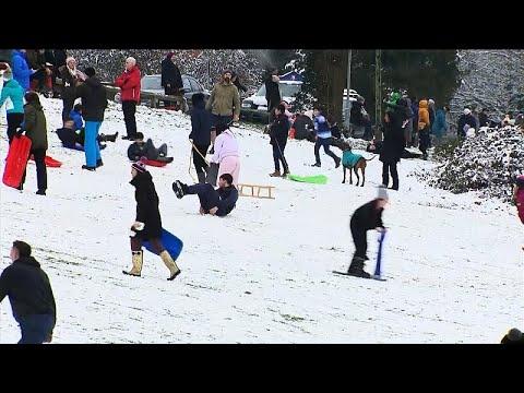 Παιχνίδια στο χιόνι για τους Βρετανούς!