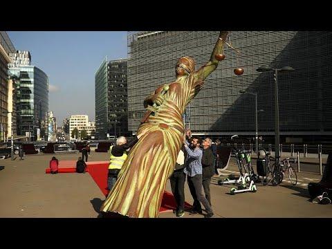 Νέα έκθεση Κομισιόν για κράτος Δικαίου στους 27