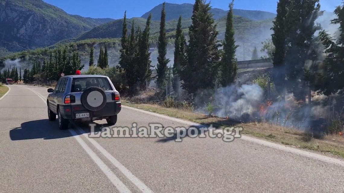 LamiaReport.gr: Φωτιά σε κλούβα με βαμβάκι στον παράδρομο της εθνικής