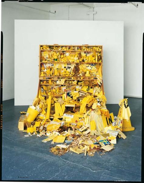 Robin Klassnik, Yellow Postal Sculpture, 1973. Installation view.