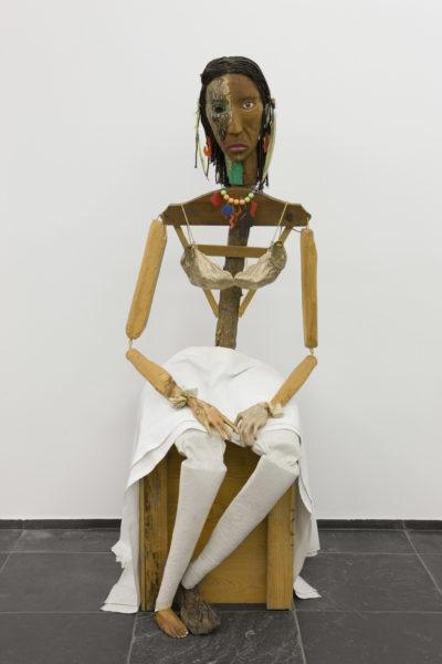 Jimmie Durham, Malinche, 1988-1992. Stedelijk Museum voor Actuele Kunst (SMAK), Ghent, Belgium. Image ©S.M.A.K. / Dirk Pauwels.