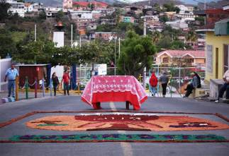 alfombra-and-table