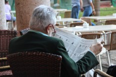 Checking on the elections, Hotel Nacional de Cuba. (Giulia Petroni/MEDILL)