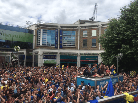 AFC Wimbleodn victory parade piazza