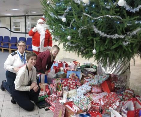 Christmas police appeal Katy Neep, Evie Winter, Joanne Duffy and Santa.jpg