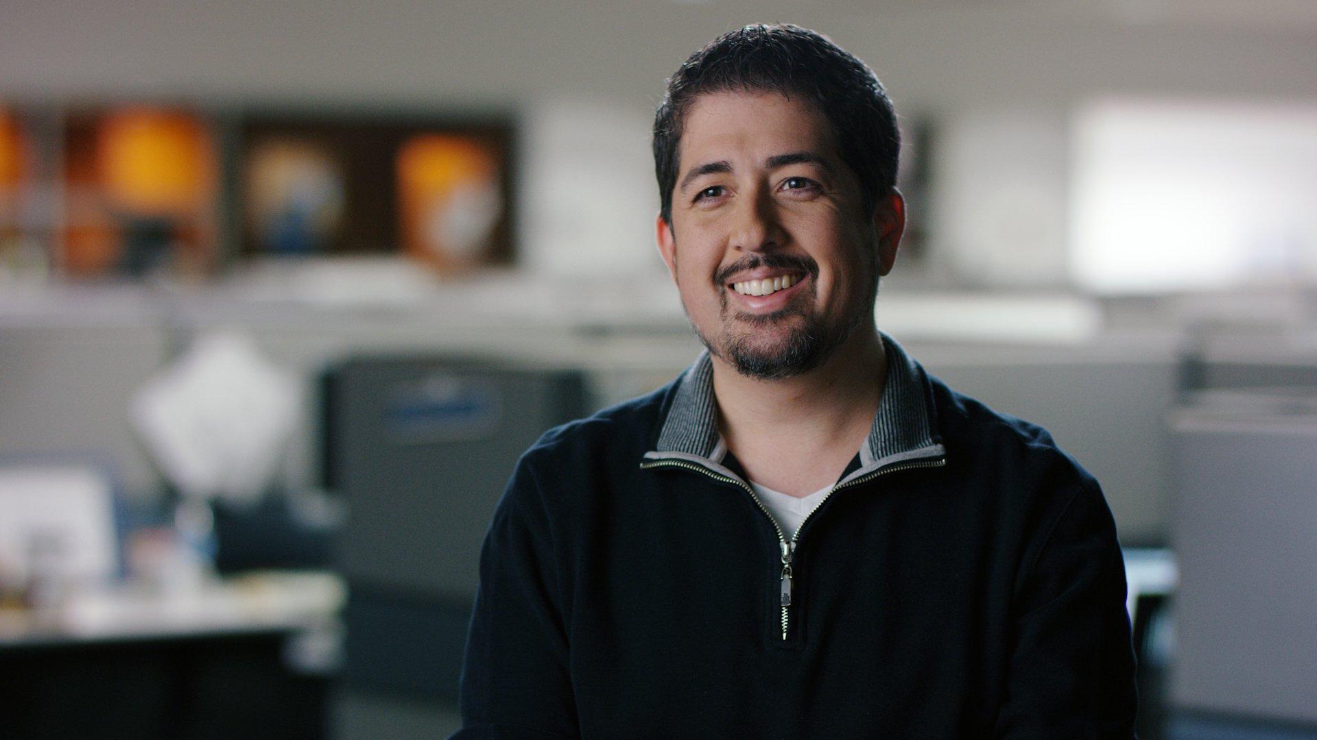 Райан Литвак, ИТ-менеджер Jabil, изучает возможности для использования Project Brainwave. Фото предоставлено Jabil.
