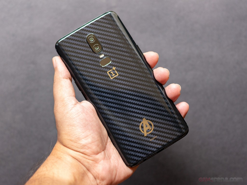 OnePlus 6 Avengers Infinity Wars Edition Image Surfaces