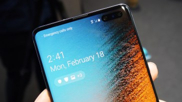 Samsung Galaxy S10 attains 1GBps speed in download tests