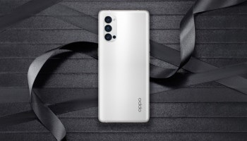 OPPO Reno4 specifications and render surfaces.