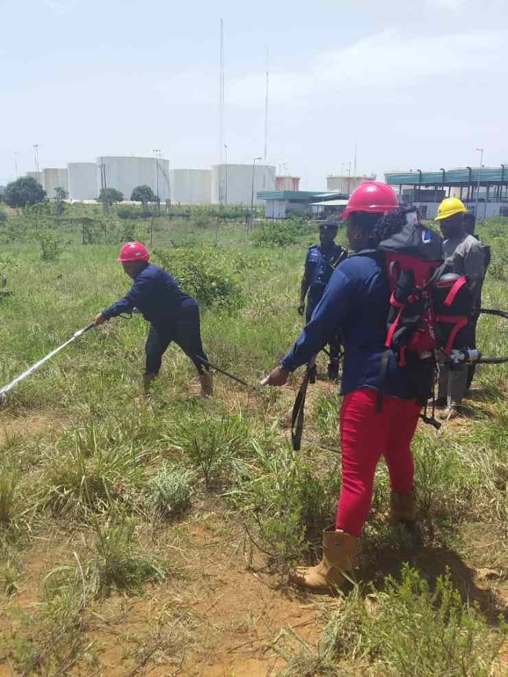 10 - Combating Fire With SAFT Backpack   Test Run by Federal Fire Service Staffs