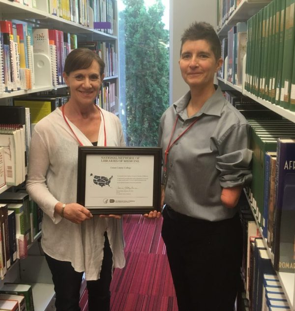 Elsa Bruguier and Lisa Gissen, Union County College Libraries, with their NNLM certificate
