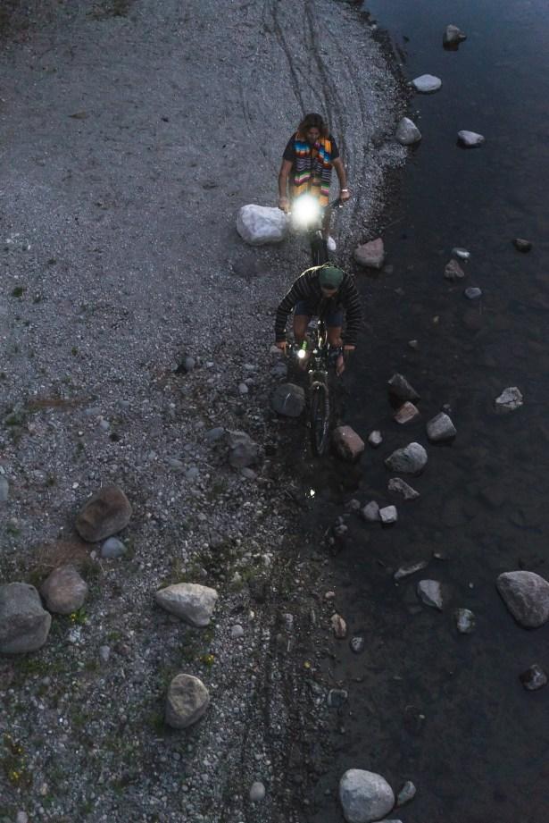 OT1351-GLO-Buckshot-Pro-Night-Doubles-Bike-Tahoe-Lifestyle (1)
