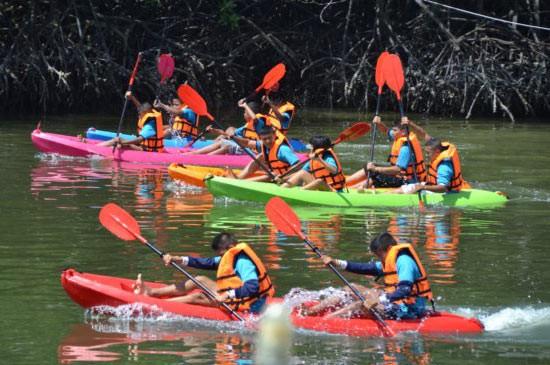 เทศบาลตำบลวิชิต ขอเชิญร่วมแข่งขันกีฬาพายเรือแคนู ประจำปี 2558 วันอาทิตย์ที่ 21   มิถุนายน ณ คลองมุดง หมู่ที่ 6 ตำบลวิชิต อำเภอเมืองภูเก็ต จังหวัดภูเก็ต