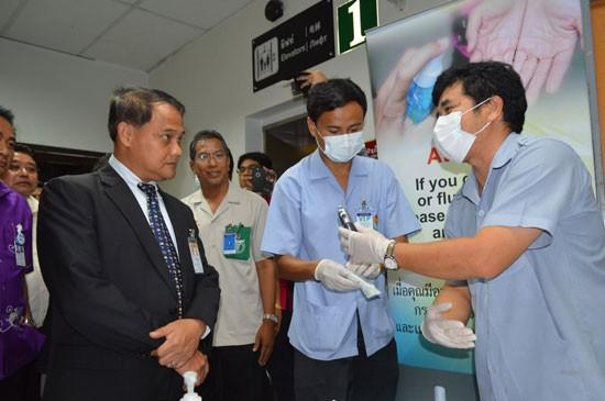 ภูเก็ตยังคุมเข้มตรวจเข้มผู้โดยสารต้องสงสัยจากประเทศต้นทางกลุ่มเสี่ยงรับมือไวรัส เมอร์ส