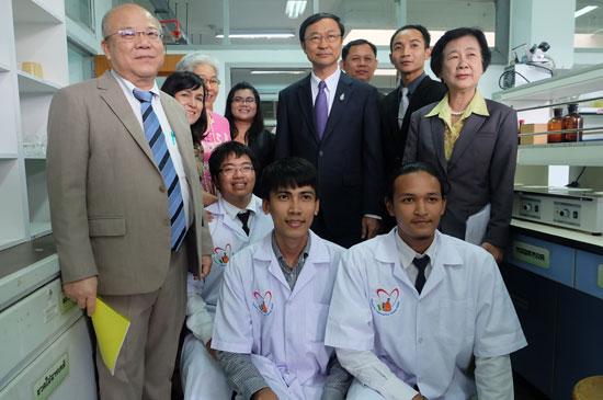 ราชภัฏภูเก็ต เสนอ ศูนย์ปฏิบัติการทดสอบเคมี ต่อ รมว.วิทย์ฯ