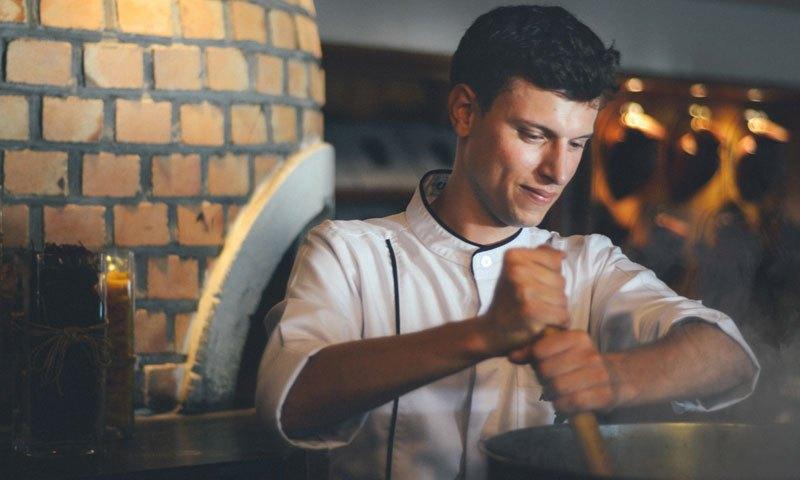 โรงแรมเจดับบลิว แมริออท ภูเก็ตต้อนรับ แอนเดรีย จีนิโอ้ หัวหน้าพ่อครัวห้องอาหารอิตาเลี่ยน คูชิน่า Cucina