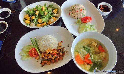 หลากหลายเมนูอาหารเจ ที่ โรงแรมภูเก็ต แมริออท รีสอร์ท แอนด์ สปา ในยางบีช