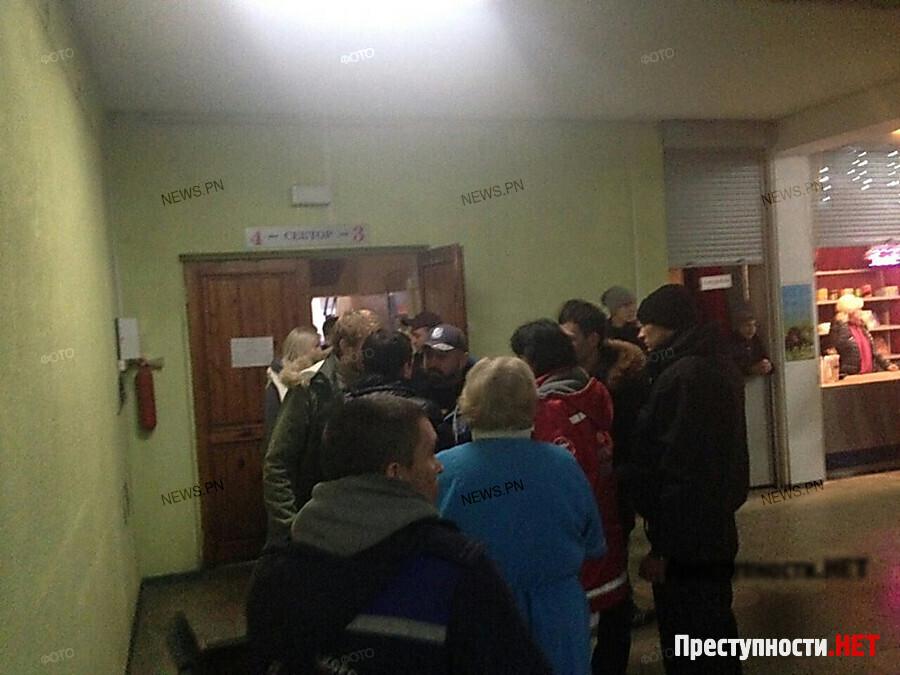 Во дворце спорта «Надежда» подрались фанаты одесского БК «БІПА» и МБК ...