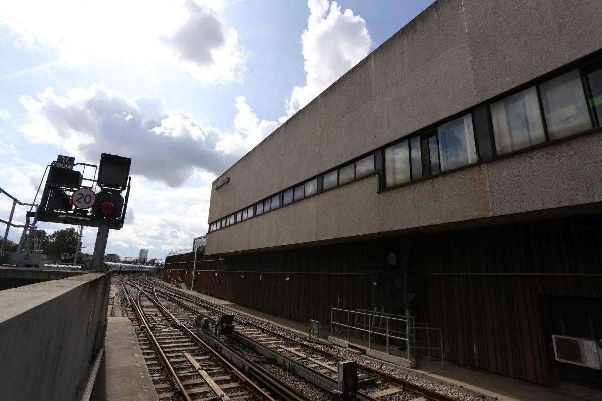 Farewell to the old and in with the new as London Bridge signalling centre closes and £81m signalling scheme hits halfway point in South London