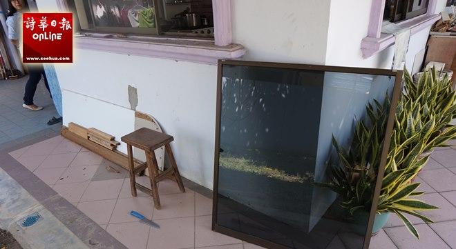 kitchen window treatments ideas wall decor 马来西亚诗华日报新闻网 马来西亚东马第一大中文报 页面3218 贼徒使用屋后的菜刀撬开厨房窗口