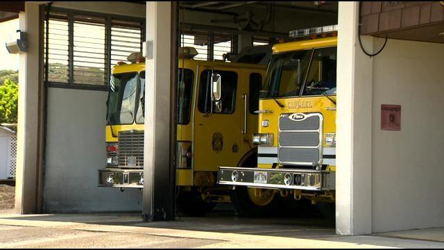 Honolulu firefighters respond to hikers in Haiku Valley