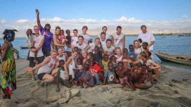 The St. Thomas group gathers for a photo with their Haitian friends and leaders from Healing Haiti.