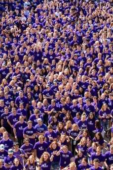 Incoming freshmen March Through the Arches. Liam James Doyle/University of St. Thomas