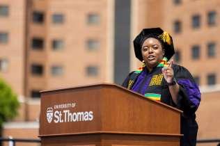 Sarah Williams, class of 2021 student speaker, addresses her classmates. Mark Brown/University of St. Thomas