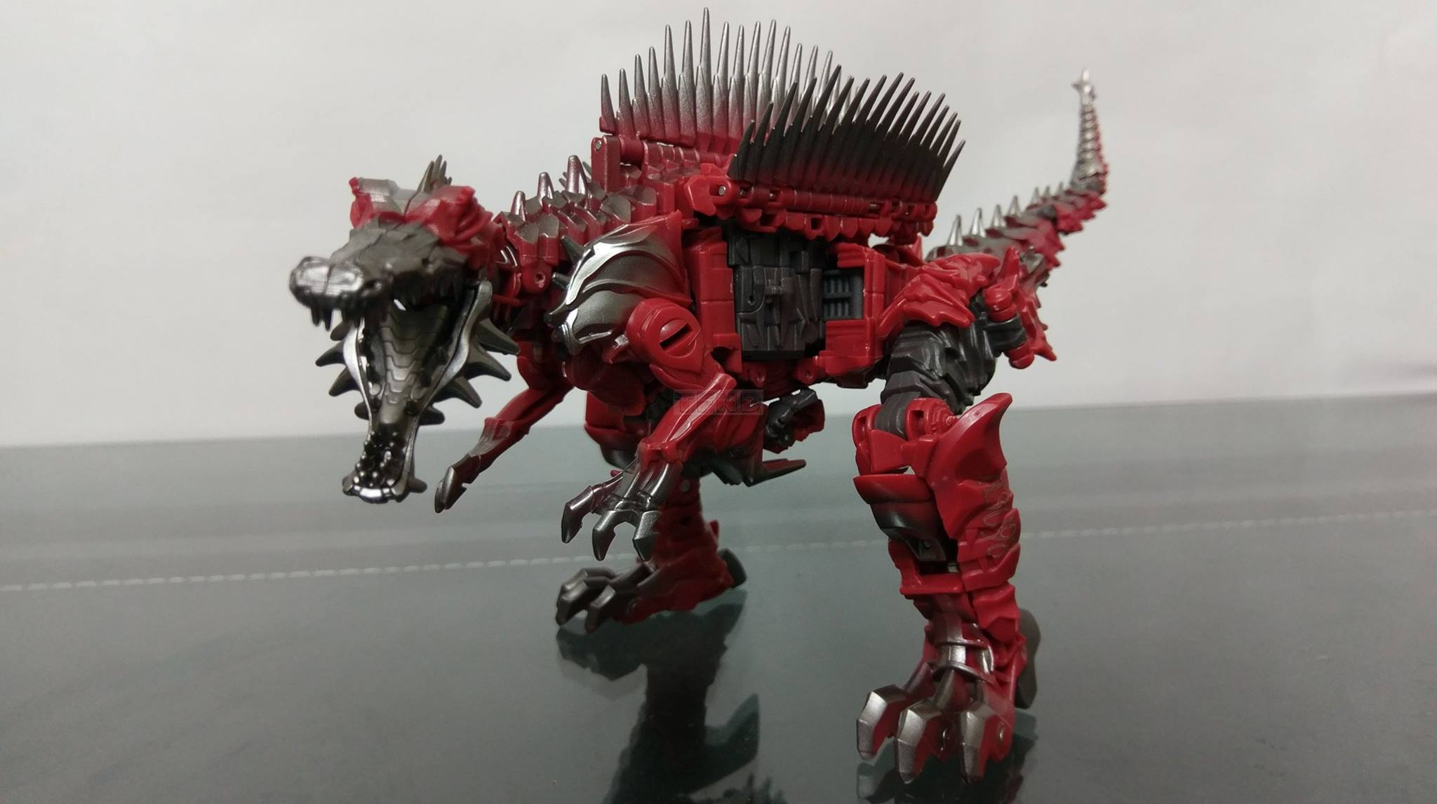 Transformers: The Last Knight Voyager Class Scorn In-Hand Images - Transformers News - TFW2005