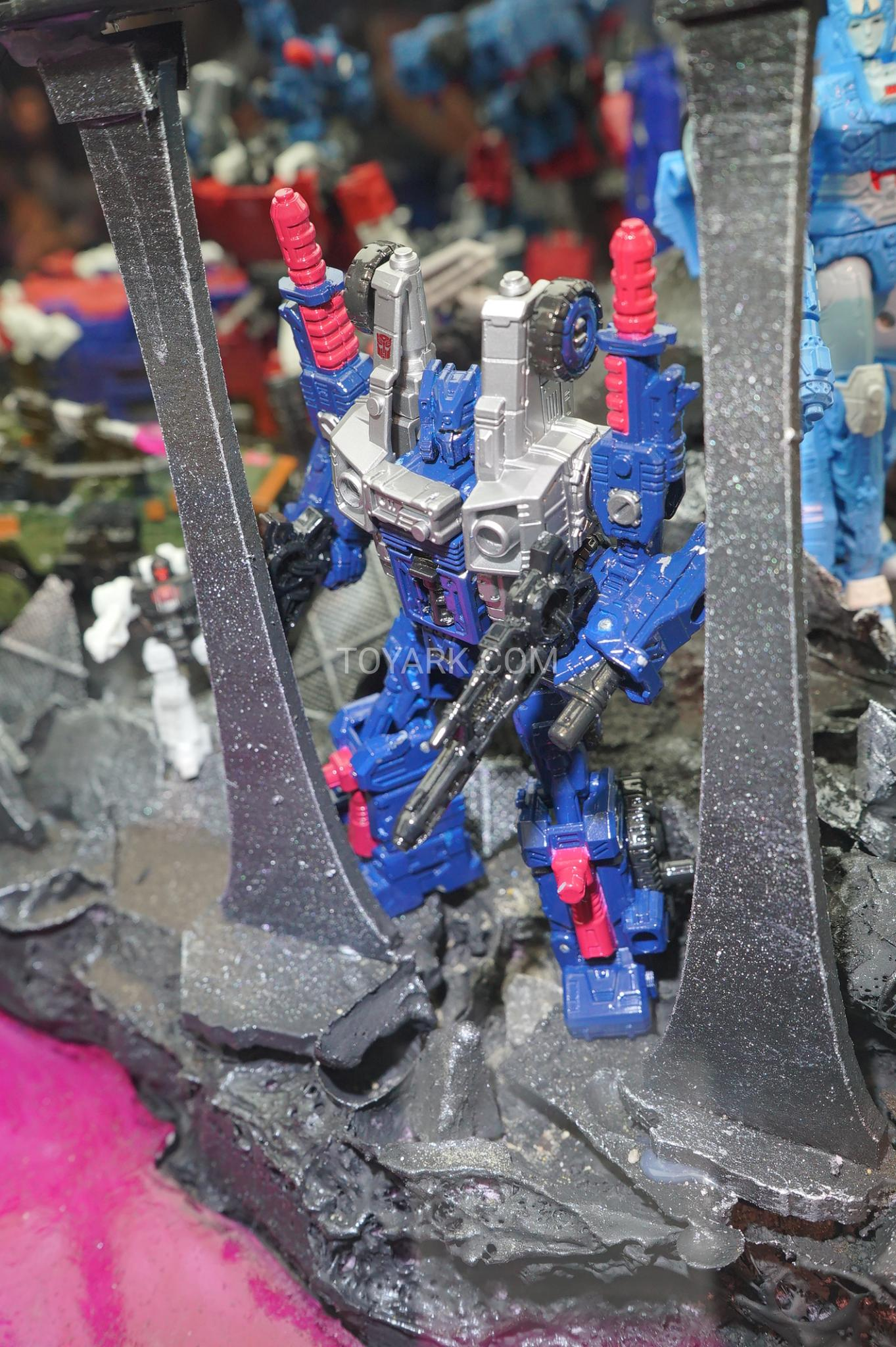 Transformers War For Cybertron Siege  Deluxe Cog Extra