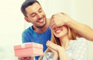 Men: How to Buy Jewellery for Women