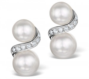These pearl and topaz earrings are a beautiful and very affordable Christmas gift