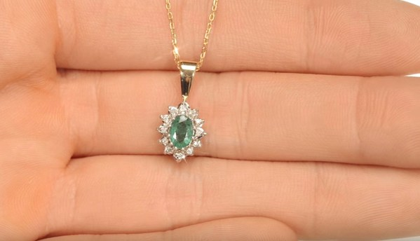 Emerald And Diamond Yellow Gold Pendant - Green gemstone jewellery