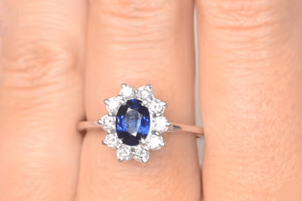 sapphire colours - blue sapphire ring