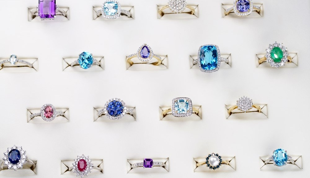 What should I look for when buying jewellery? 5 Professional Tips