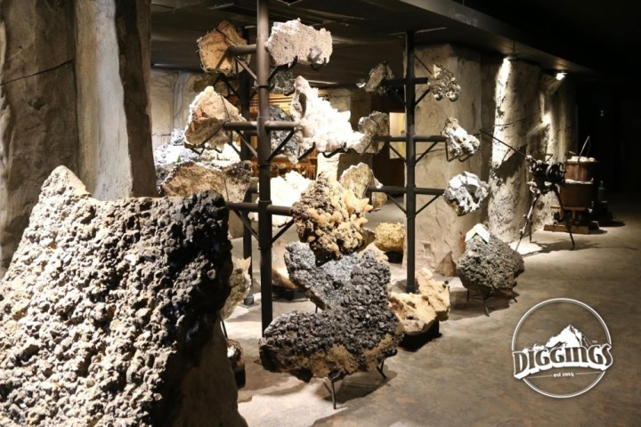 Minerals & Mining Equipment at the Tri-State Mineral Museum