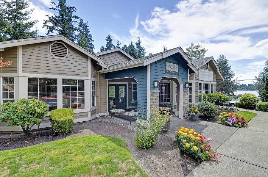 Everett Puget Sound Rise Properties Trust Fairfield Residential CBRE  Capital Markets Seattle Glen North Creek Meridian. Rise Properties Buys Everett Apartment Complex for  40 4MM   The