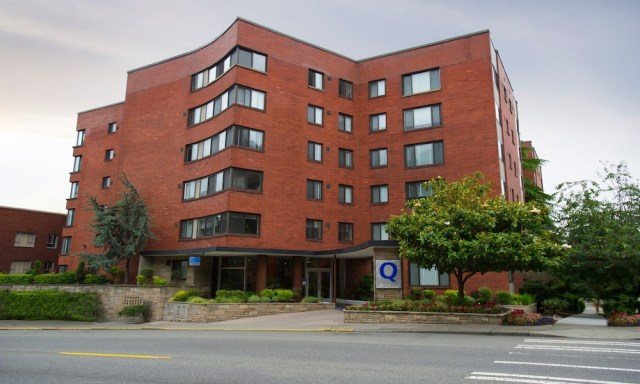Q Apartments Seattle Urban Queen Vista Seattle Mercer Island Acacia Capital Queen Anne Lo-Yu Sun Puget Sound living investing