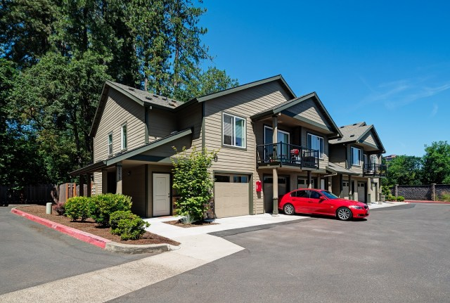 CBRE, The Reserve at Ashbrook, Tigard, Back Nine Acquisitions, CBRE's Northwest Multifamily Institutional Investment team, GE-Ashbrook, Washington County
