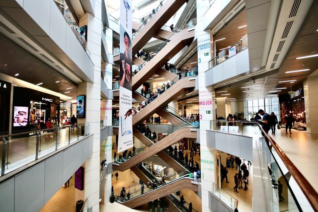 Cushman & Wakefield retail shopping mall COVID-19