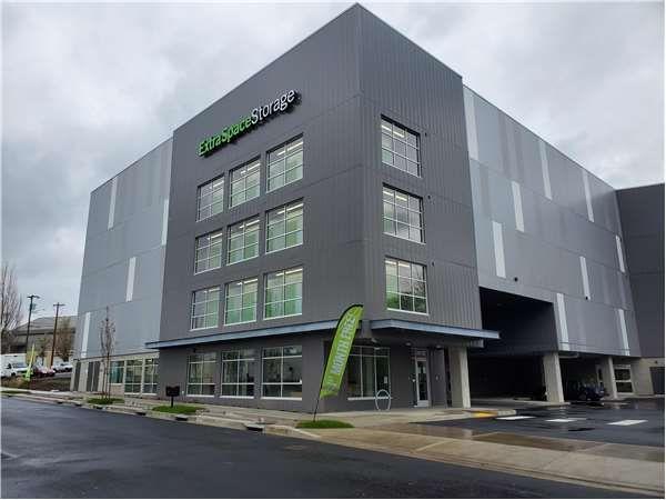 Colliers, Tigard, Red Hat Enterprises, Portland, Extra Space Storage, Trailblazer Development
