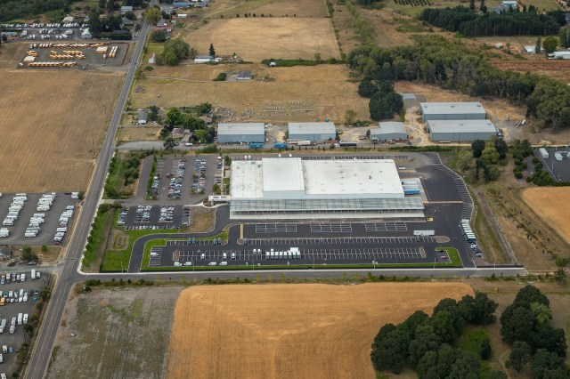 Salem Amazon Cushman & Wakefield SPC Acquisition Company Reich Brothers 5475 Gaffin Rd. Road